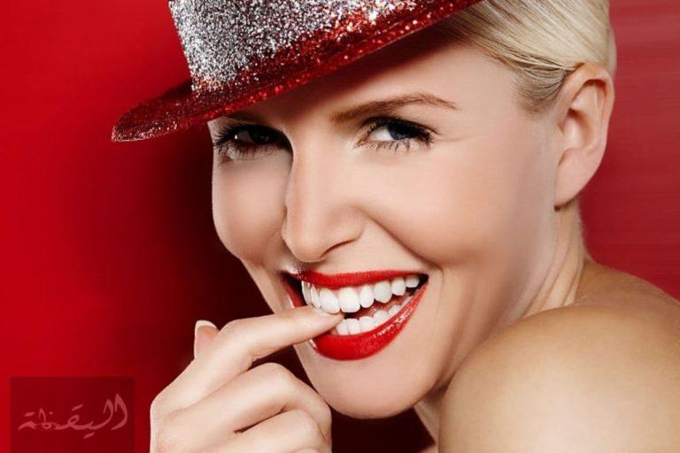ما هي ابتسامة هوليود المميزات والعيوب ولماذا يقبل الناس عليها؟